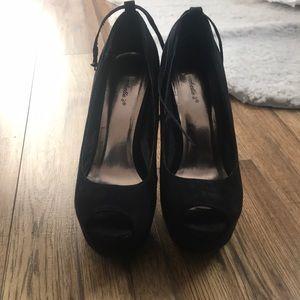 Shoes - Open-toe stilettos